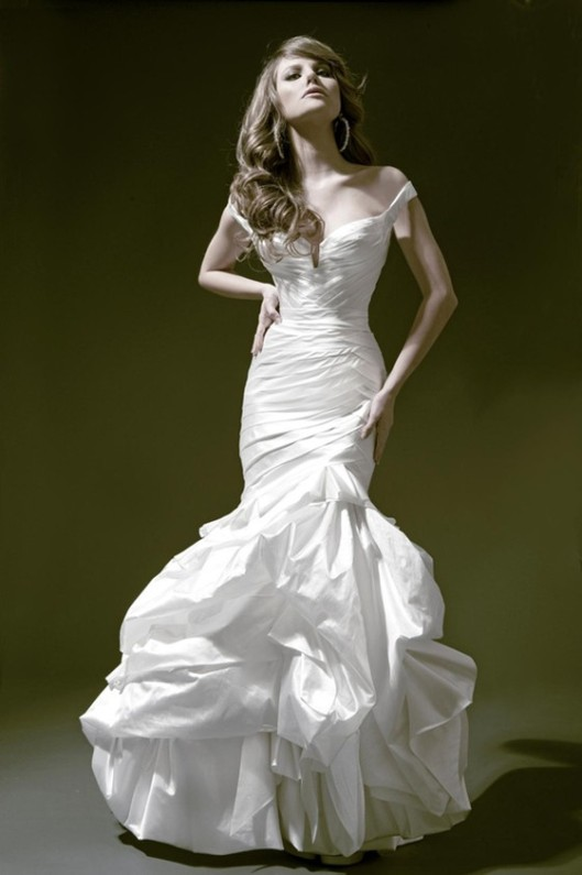 drop shoulder bridal gown